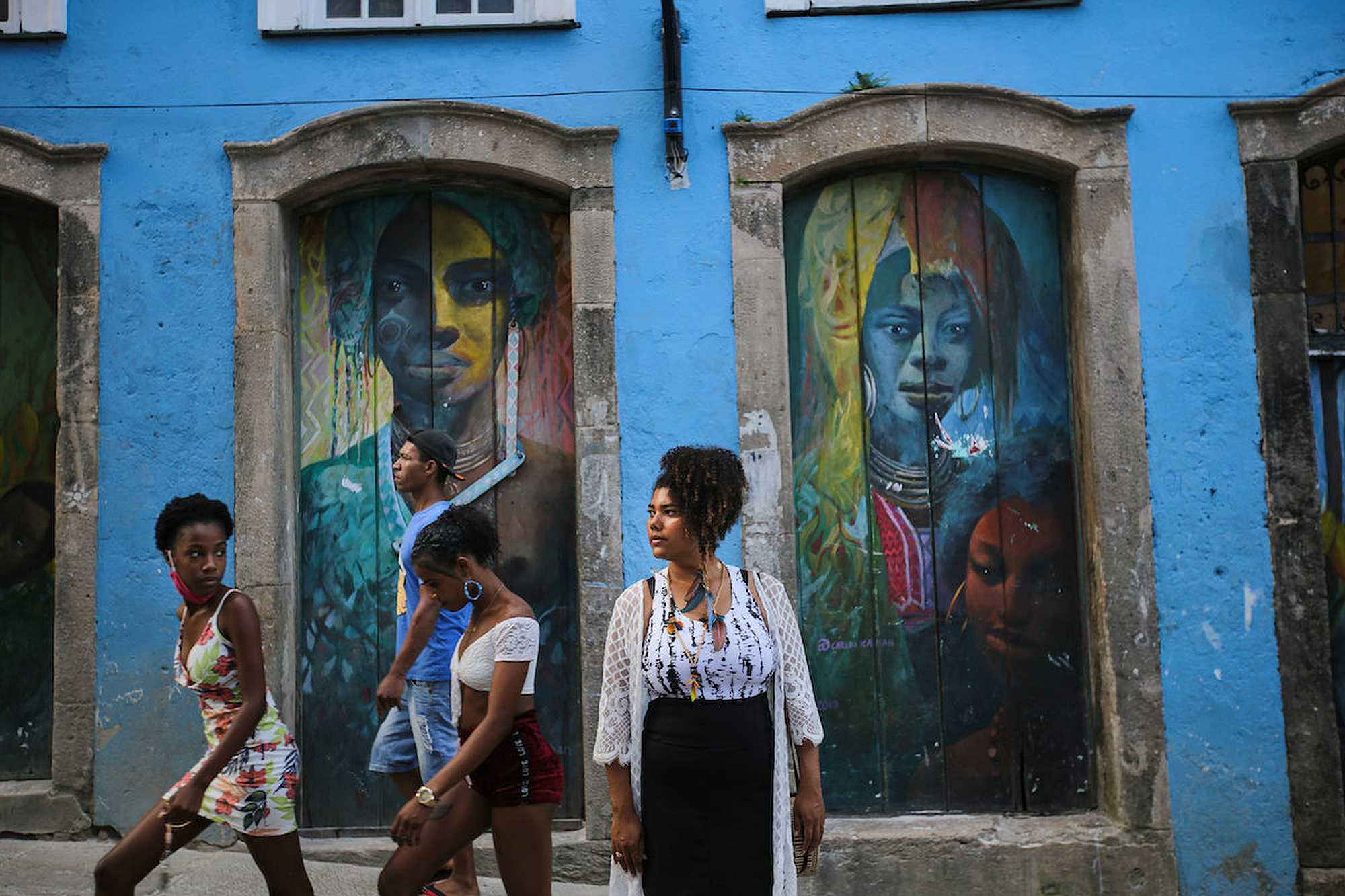 Brazilian Indians Keep Their Culture Alive by Living in Big Cities